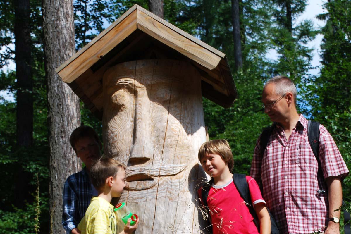 Wanderung Holzskulptur