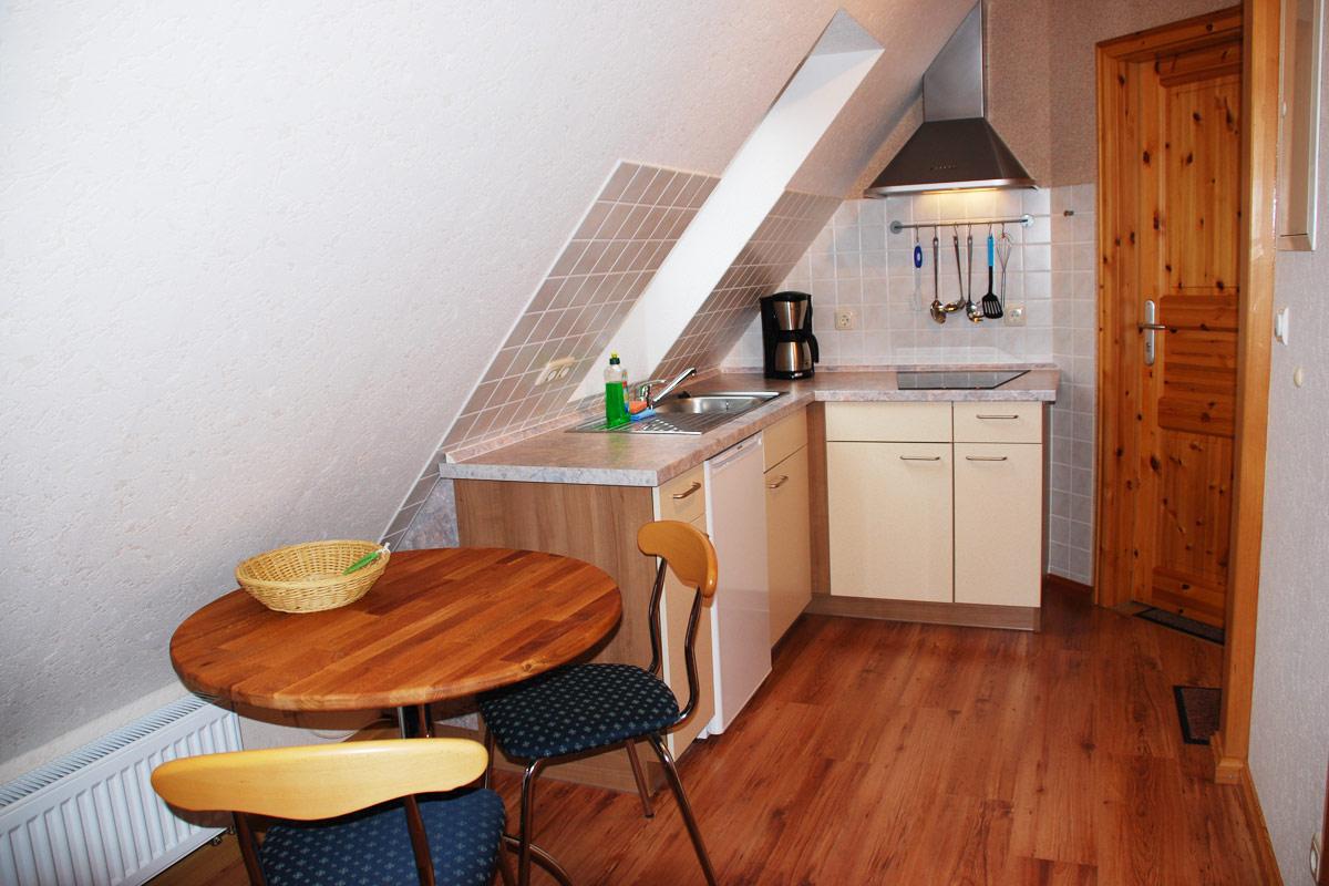 Ferienhaus am Osterbrunnen - Ferienwohnung 5 - Küche mit Essecke